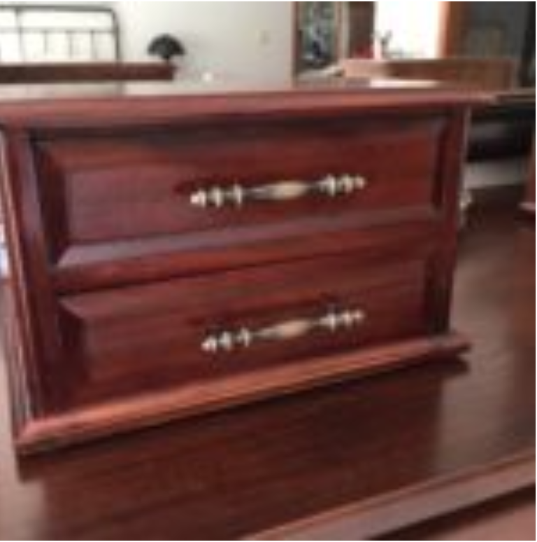 dark mahogany box